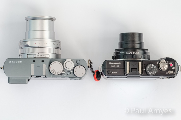The Leica D-Lux compared with the Panasonic Lunix LX5. From above the size difference is more apparent.